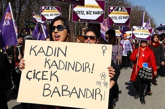 8 Mart Dünya Emekçi Kadınlar Günü'nün ortaya çıkışına hangi olay sebep olmuştur?
